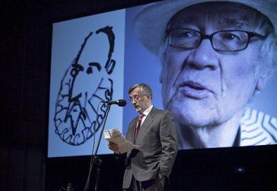 """Ambasador Hiszpanii obecny na prezentacji książki  """"Don Kichote"""" zilustrowanej przez Józefa Wilkonia"""